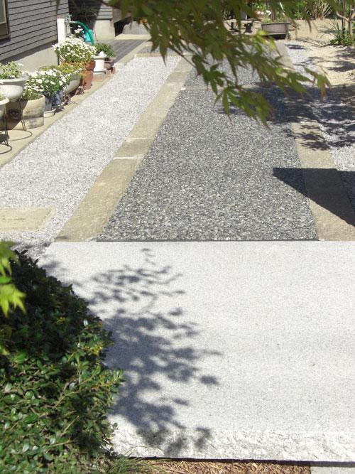 古代切石がアプローチのアクセント 湯梨浜町 T様邸4