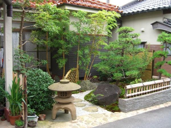 金閣寺垣がよく似合う庭 1