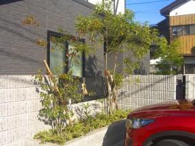 レンガ道が特徴の植物あふれるお庭 湯梨浜町 I様邸2