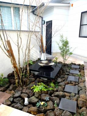 建物と調和のとれたお庭にリガーデン6