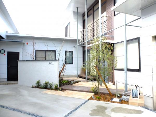 建物と調和のとれたお庭にリガーデン2