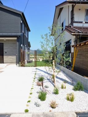 シンプルな外構からナチュラルな外構へ 湯梨浜町N様邸8