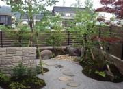 石垣のあるお庭