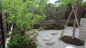 石垣のあるお庭3